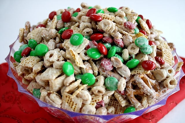 white chocolate party mix butter with a side of bread - Christmas Chex Mix White Chocolate