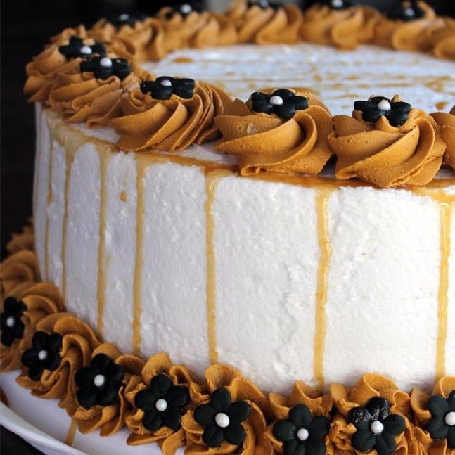 CHOCOLATE CAKE WITH CARAMEL SAUCE