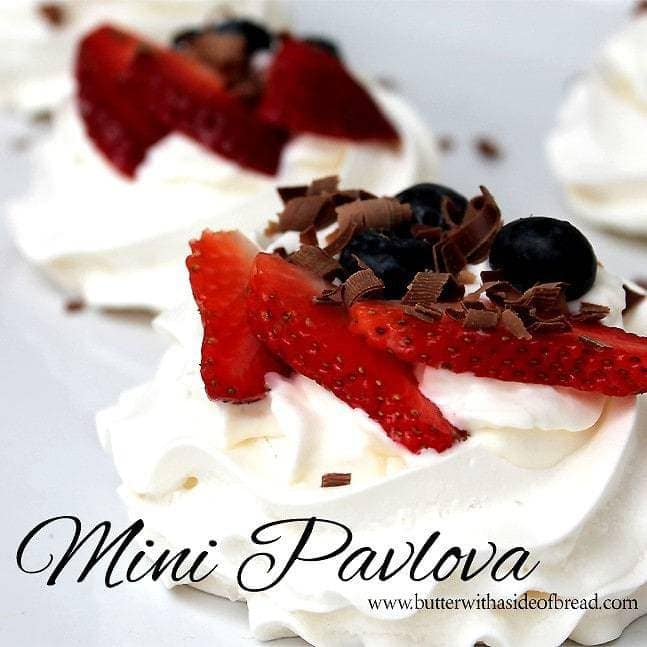 Mini Pavlova:Butter with a side of bread