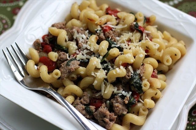 SAUSAGE & PEPPER PASTA {Weight Watchers!} Butter with a Side of Bread