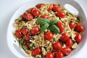 TOMATO BASIL CHICKEN FETTUCCINE: Butter with a Side of Bread