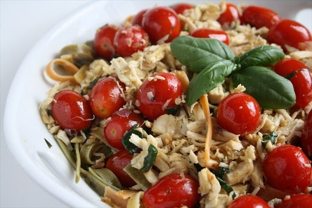 TOMATO BASIL CHICKEN FETTUCCINE - Butter with a Side of Bread