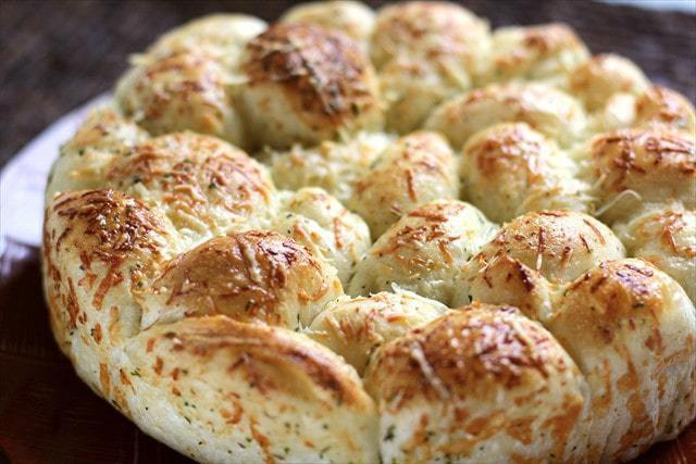 EASY PARMESAN GARLIC DINNER ROLLS: Butter with a Side of Bread
