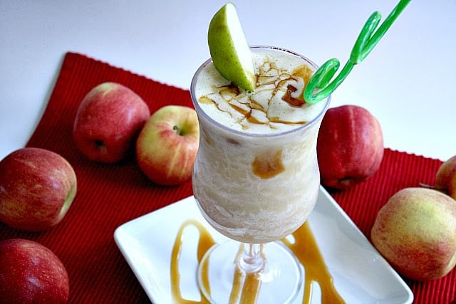 Caramel Apple Smoothies made with an apple, frozen apple juice concentrate, caramel & ice cubes is a fantastic, easy fall treat. Add yogurt for a creamier smoothie!