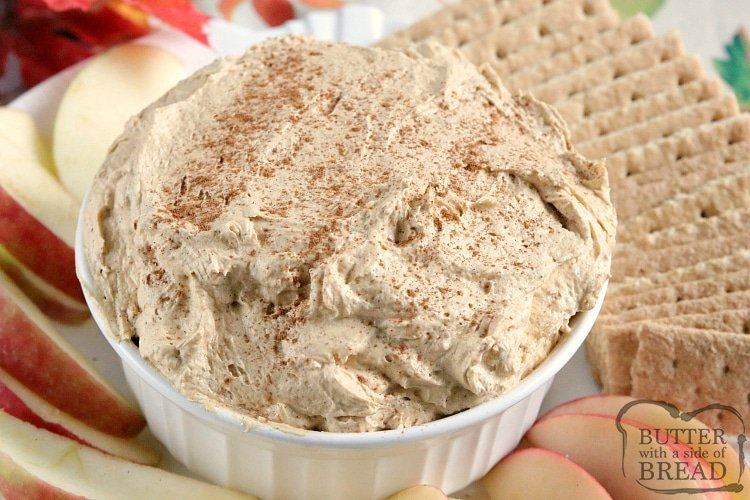 Pumpkin dip with apples and graham crackers