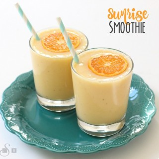 SUNRISE SMOOTHIE & Aunt Jemima® Griddle Melts™