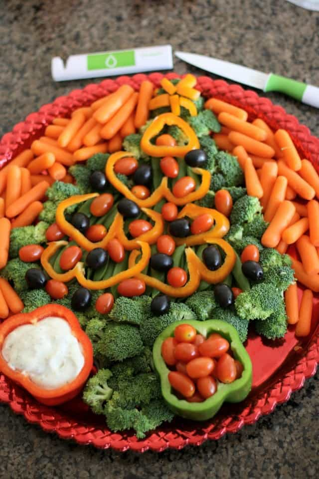 FESTIVE HOLIDAY VEGETABLE PLATTERS: Butter With A Side of Bread