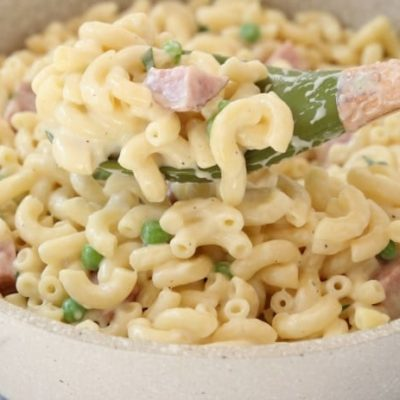 MACARONI AND CHEESE with HAM and PEAS