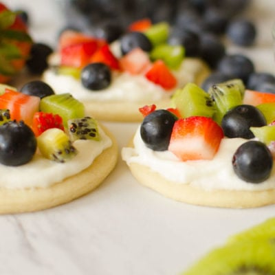 EASY FRUIT PIZZA COOKIES
