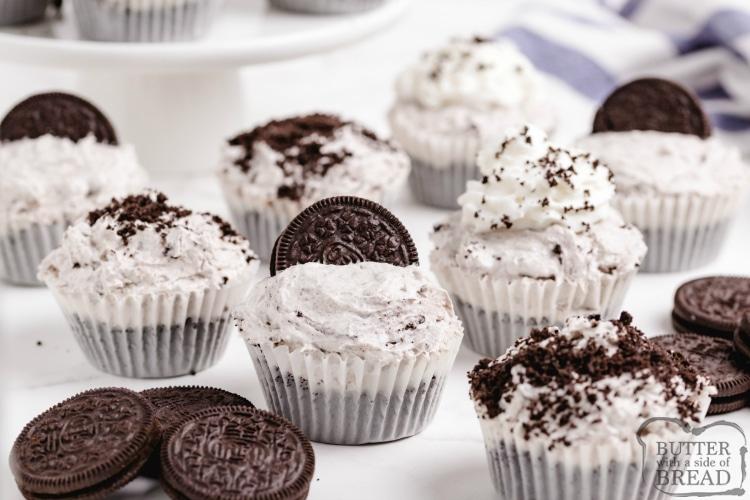 Mini Cookies and Cream Cheesecakes